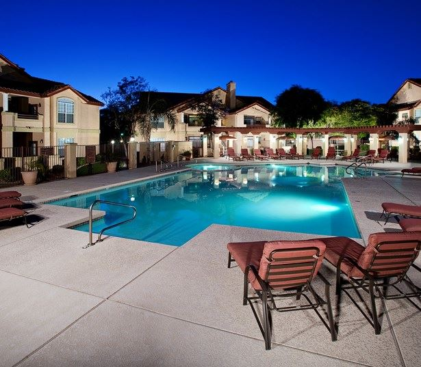 Coronado Crossing apartments for rent in Price Corridor - Outdoor pool with sun deck and grills