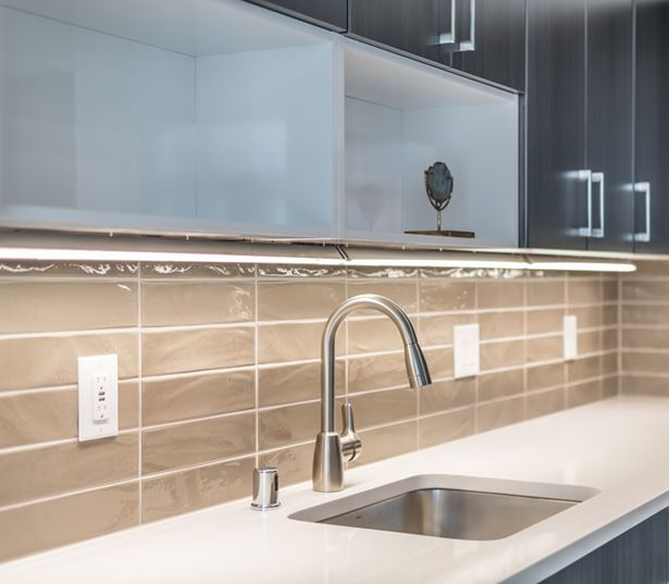 Apartments in Bellevue WA - Metro 112 Apartments - quartz countertops