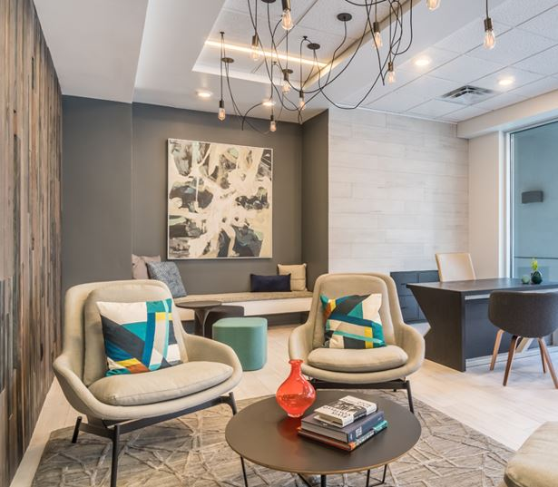 BellSquare apartments near Symetra Financial - Metro 112 Apartments - leasing lounge
