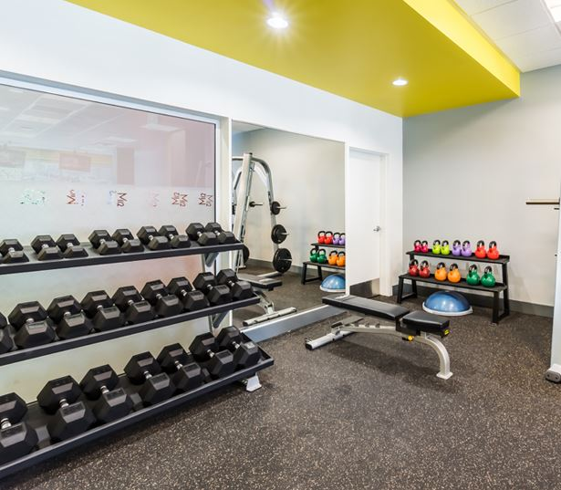 Crossroads apartments in Bellevue, WA - Metro 112 Apartments - fitness center