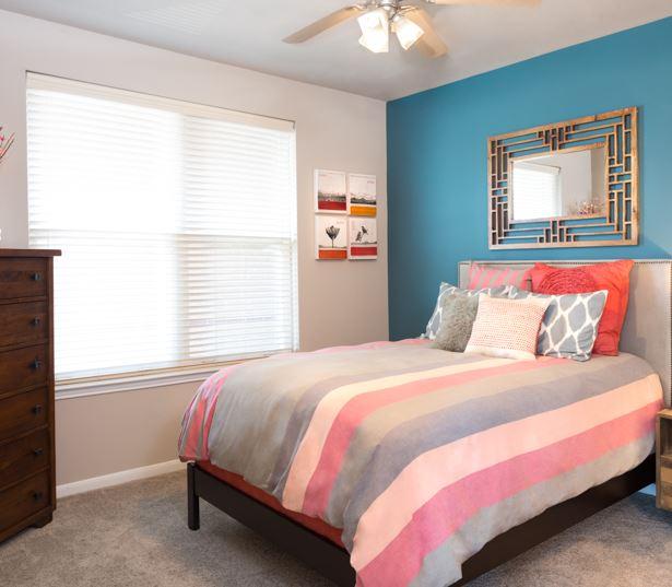 Apartments 77027