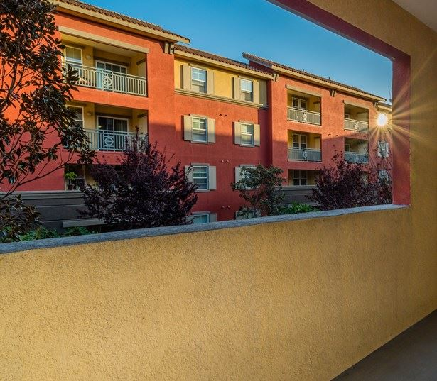 Linda Vista apartments for rent in San Diego - Mira Bella Private Balconies