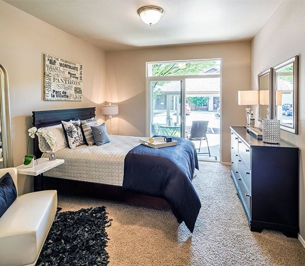 West Linn OR Apartments in Wilsonville School District - Cascade Summit - Spacious bedrooms