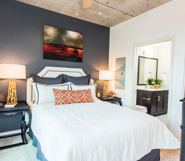 Denver apartmetns for rent in Uptown - SkyHouse Denver bedroom
