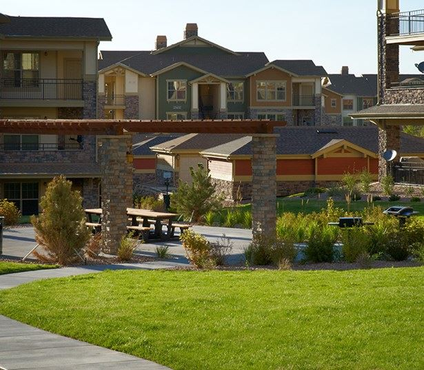 Apartments near Cherry Creek Trail - The Sanctuary At Tallyn's Reach Barbeque and picnic area