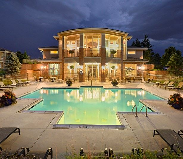 Apartments and townhomes in Parker - The Meadows At Meridian Sparkling Outdoor Swimming Pool