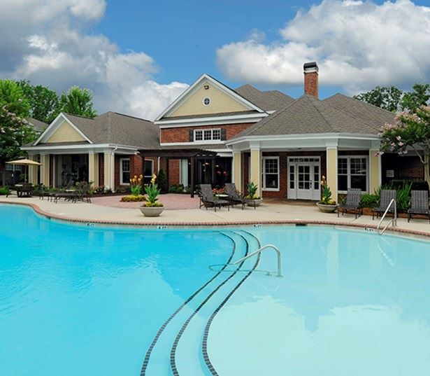 Promenade Park Saltwater swimming pool with cabana and grills Charlotte NC - Blakeney