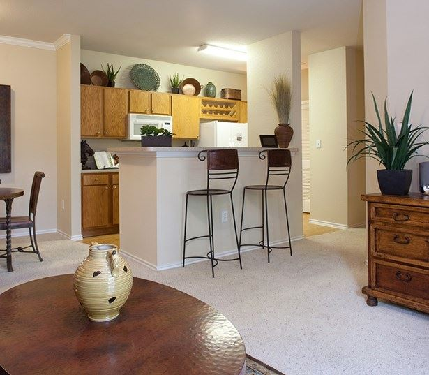 North Austin apartments for rent - The Ranch Apartments Dining and kitchen model interior