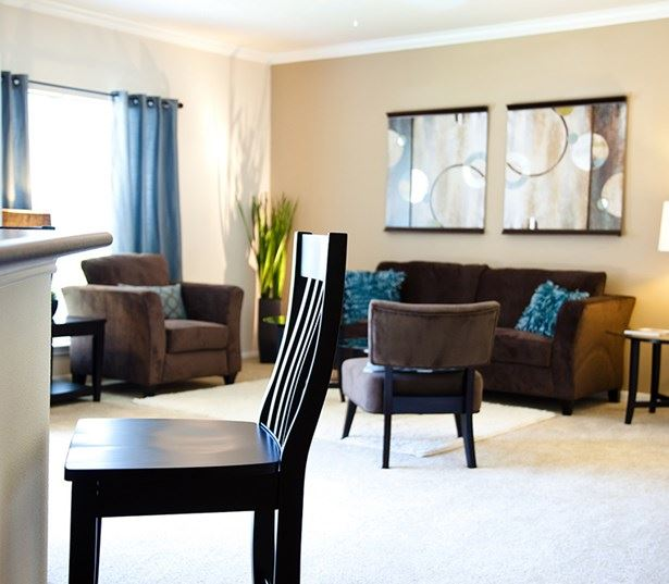 South Austin apartments for rent in Austin ISD - Ridgeview Spacious living room model interior