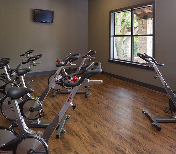 Ridgeview apartments for rent in South Austin - Spin room with weekly classes