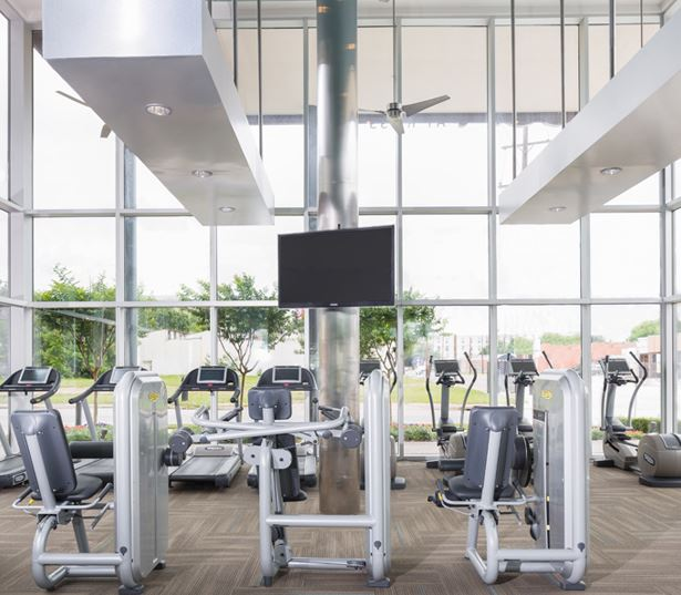 The Icon at Ross - fitness center - Apartments near Baylor University Medical Center Dallas