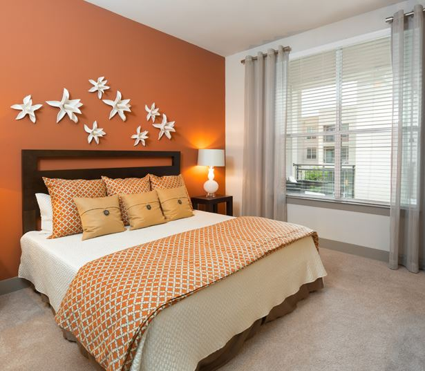 The Icon at Ross spacious bedrooms - Apartments near Baylor University Medical Center Dallas