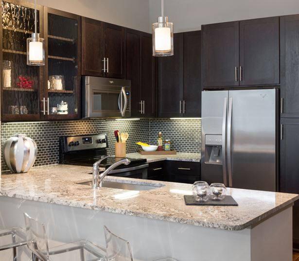 Strata Apartments - Gourmet kitchens - Apartments in Lower Greenville Dallas
