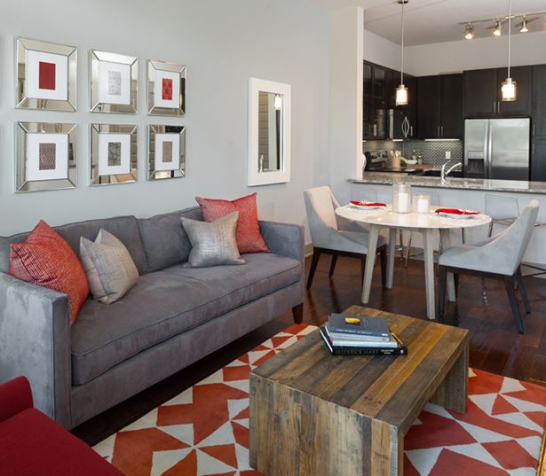 Strata Apartments - Hardwood floors - Knox-Henderson Apartments