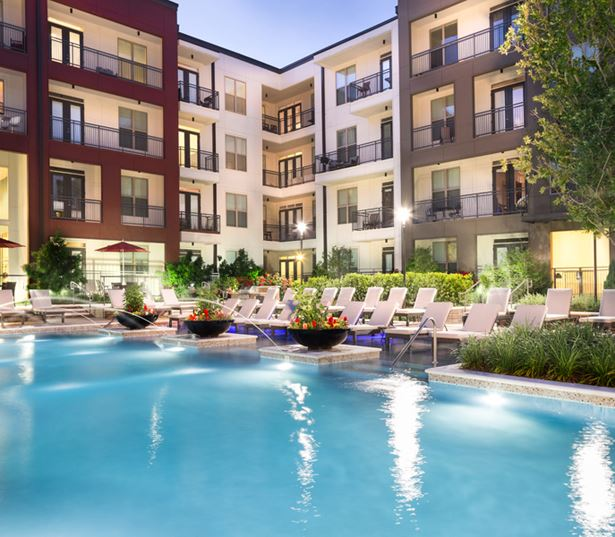 Strata Apartments - swimming pool - M Streets Apartments in Dallas