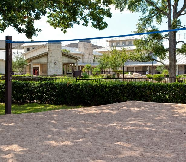 Cedar Park apartments in Ausitn - The Ranch Apartments Outdoor sand volleyball court
