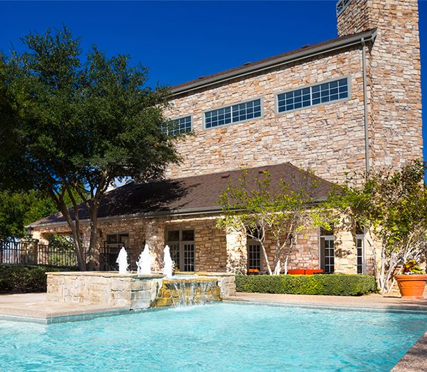 Villas at Stonebridge Ranch - Swimming pool - Stonebridge Ranch Apartments in McKinney, TX