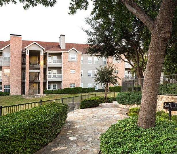 Villas at Stonebridge Ranch - Manicured walking paths - Apartments near Raytheon - McKinney TX
