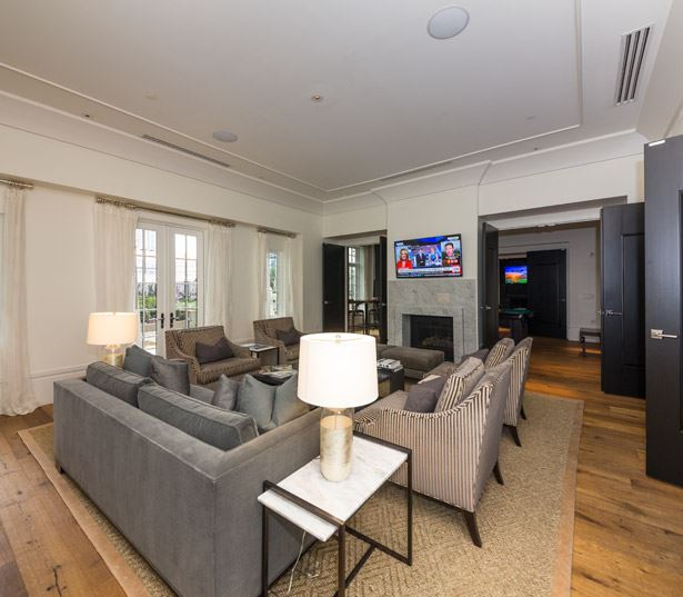 West Paces Road apartments in Buckhead - The Residence Buckhead Atlanta club lounge