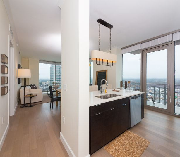 Peachtree Road apartments for rent - The Residence Buckhead Atlanta private balcony