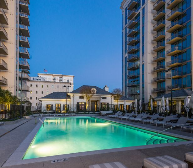 West Paces Road apartments in Buckhead - The Residence Buckhead Atlanta pool