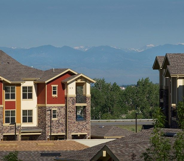 Southeast Aurora apartments - The Sanctuary At Tallyn's Reach Offers majestic mountain views