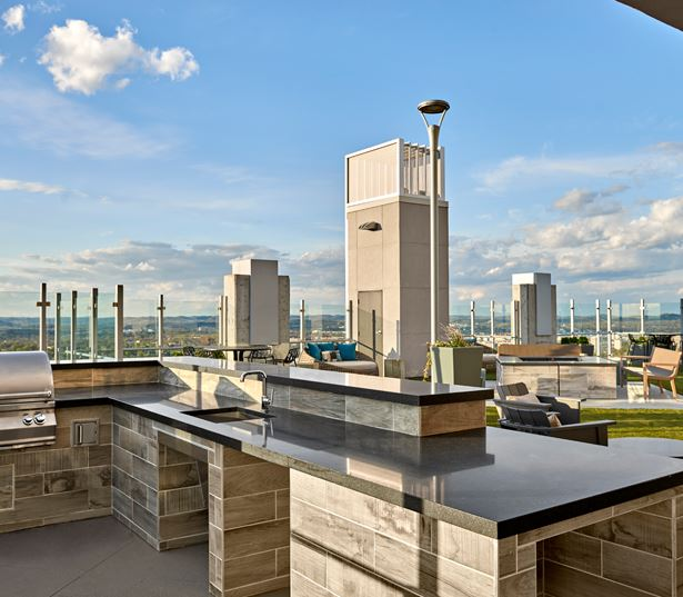 SkyHouse Nashville Apartments for rent - Nashville, TN - SkyDeck