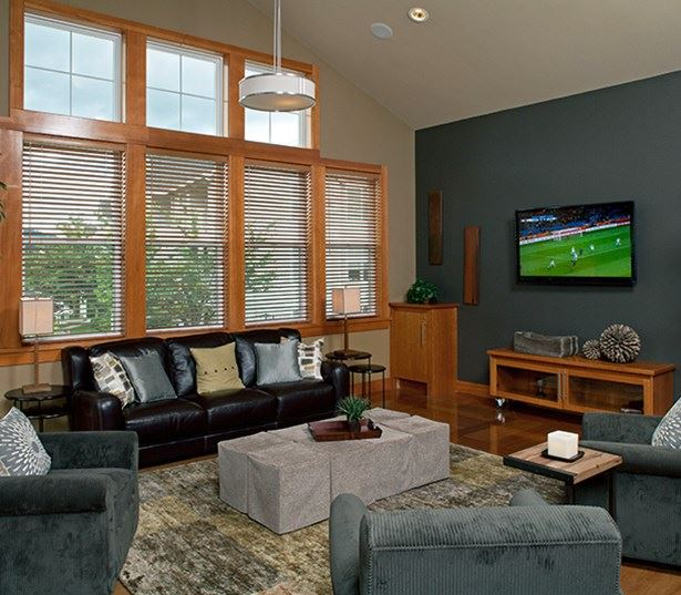 Lake Sammamish State Park apartments - The Timbers at Issaquah Ridge Resident lounge with TV