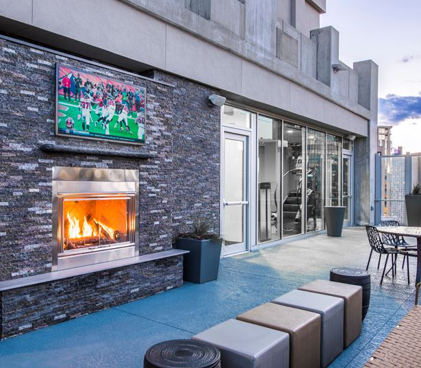 Uptown apartments for rent in Denver - SkyHouse Denver SkyDeck