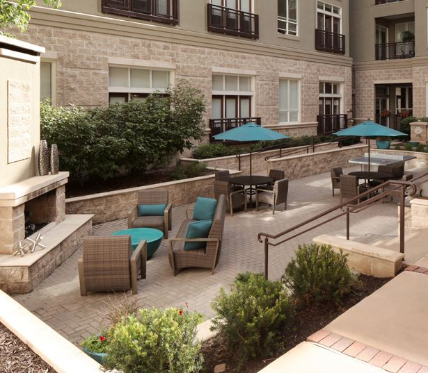 The Boulevard Apartments for rent - Capitol Hill Apartments in Denver - courtyard