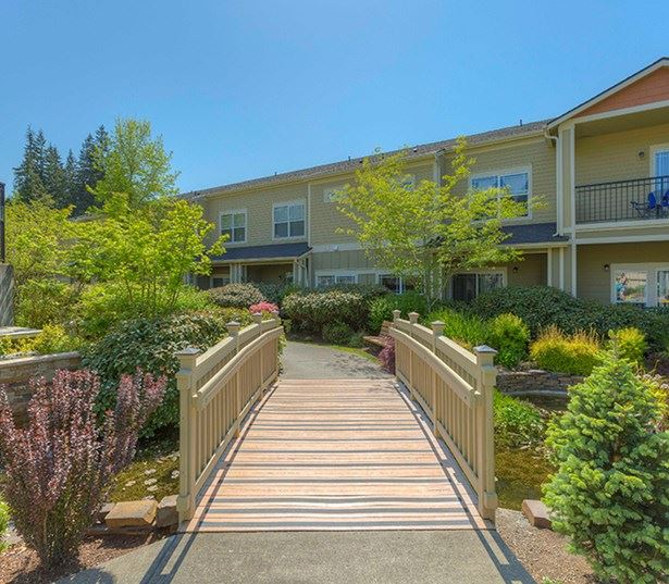 The Lodge at Redmond Ridge apartments in the Lake Washington School District - Private balcony