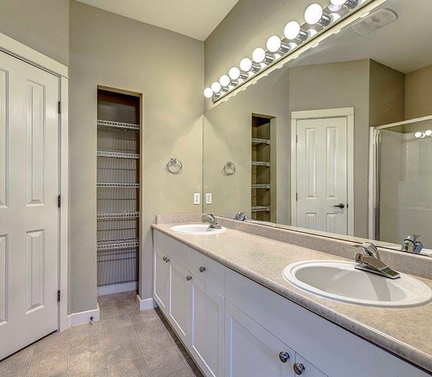 Lake Washington School District apartments - The Lodge at Redmond Ridge Townhome bathrooms