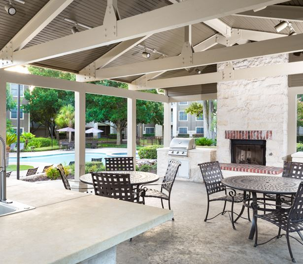 Round Rock School District apartments - The Ranch Apartments Fitness center with free weights