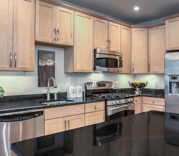 Apartments in Tysons Corner VA - The Reserve at Tysons Corner Stainless steel appliances