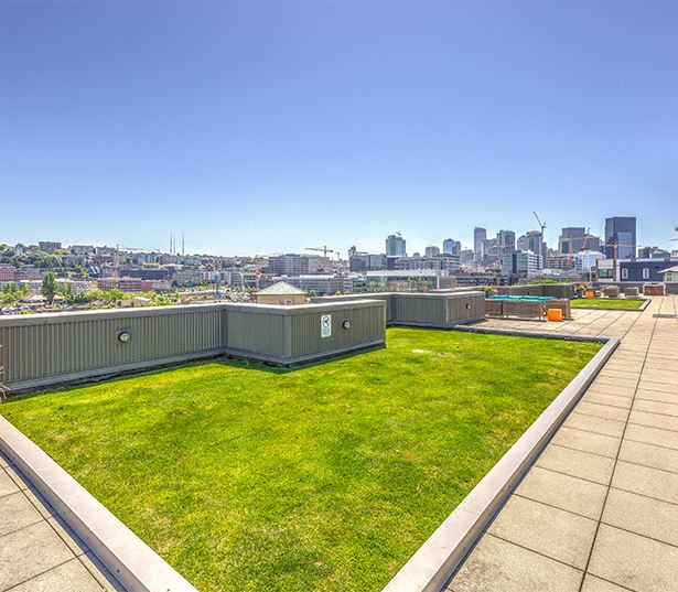 South Lake Union apartments for rent near Amazon - Neptune Rooftop terrace and lounge area