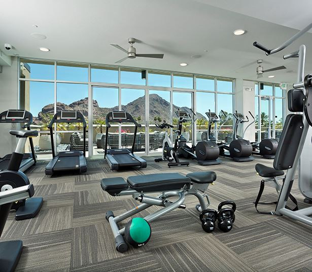 Citrine apartments near SkyHarbor Airport - Fully equipped fitness center and yoga studio