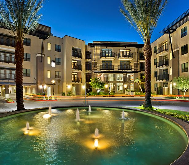 Camelback Apartments In Phoenix, AZ