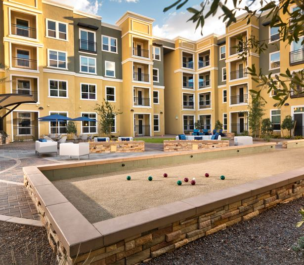 Luxury apartments phoenix - District at Biltmore bocce court