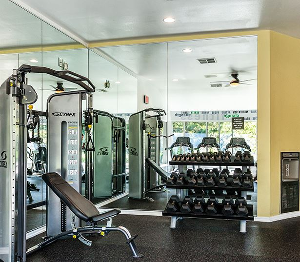West Linn Apartments for Rent in the Wilsonville School District - Cascade Summit -  Fitness center