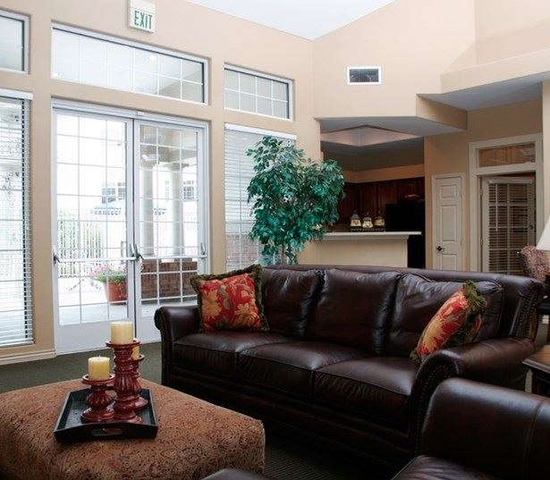 Highland Square Apartments: Highland Crossing And Highland Square