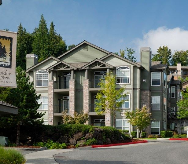 Boulder Creek apartments in Issaquah Plateau near Boeing - Entry Monument