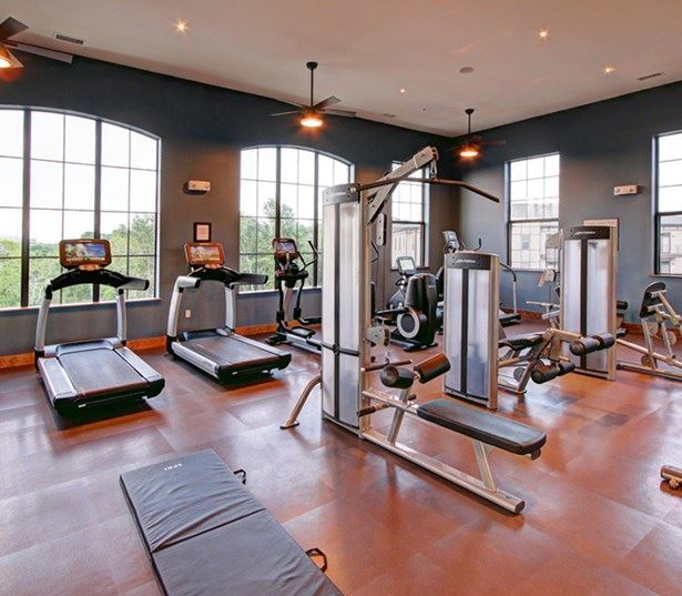 Cadence Cool Springs apartments in Williamson County School District - fitness center