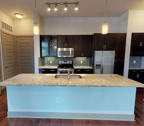 2-bedroom apartments in Knox Henderson Dallas - Strata - 22F2 Floor Plan