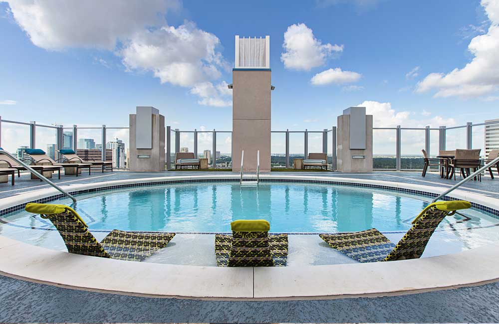 Galleria apartments skyhouse river oaks houston tx for Garden oaks pool houston