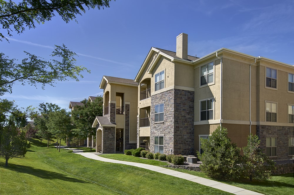Coyote Ranch Lush landscaping surrounding community Aurora CO - Parker