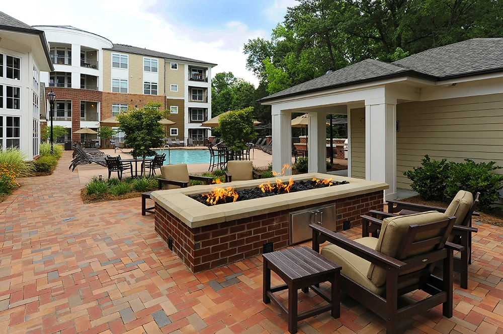 Gramercy Square at Ayrsley Outdoor lounge and fire pit Charlotte NC - Berewick