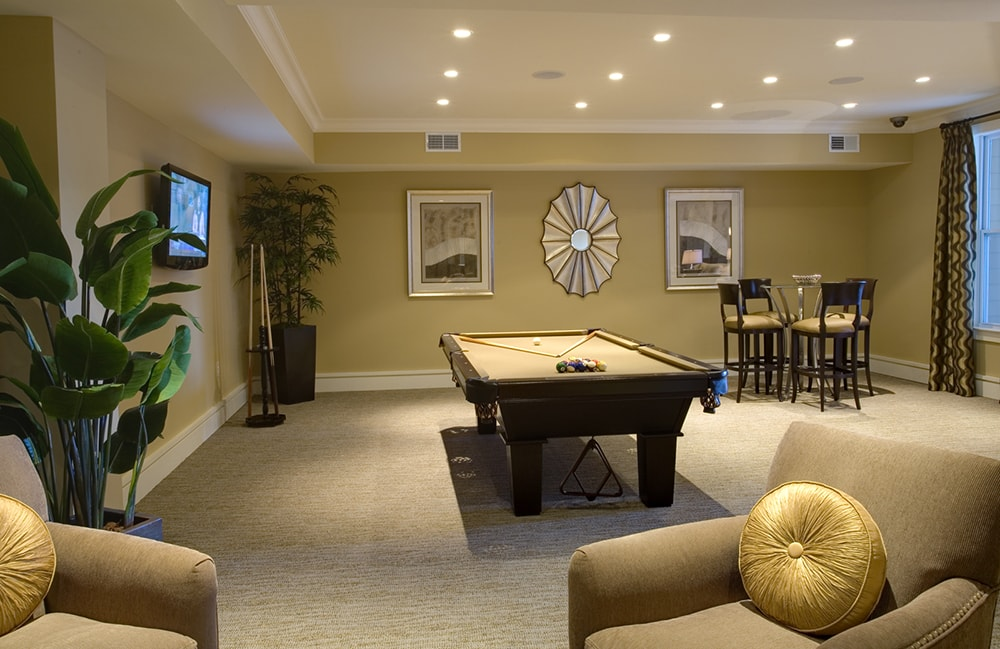 Gramercy Square at Ayrsley Stylish resident lounge with billiards table Charlotte NC Steel Creek