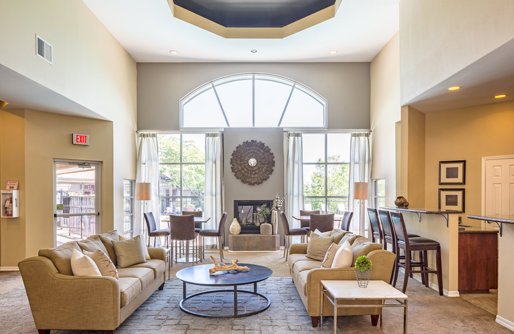 Cascade Summit apartment homes near Lake Oswego - Rosemont Ridge Middle School - Clubhouse