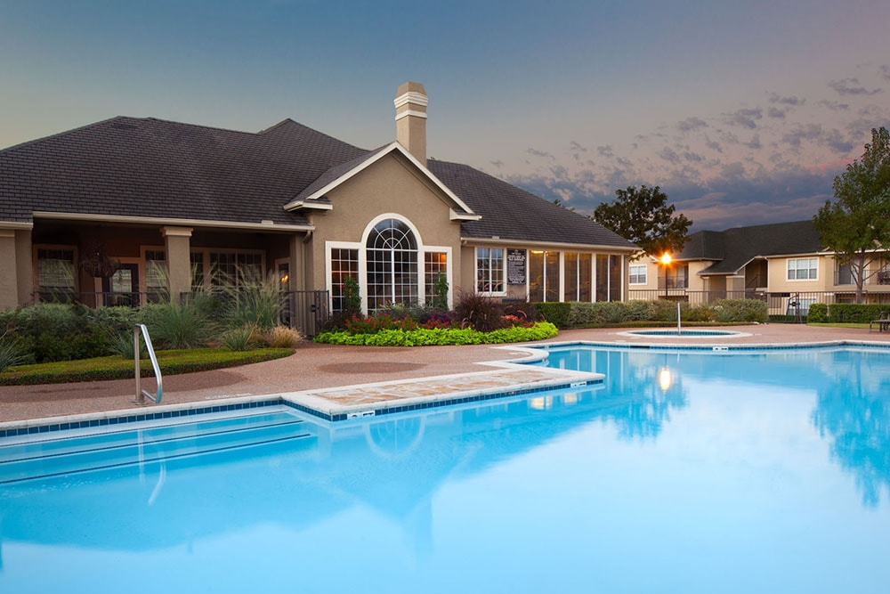 Montelena Apartment Homes - Large Swimming Pool - Grapevine, TX Apartments