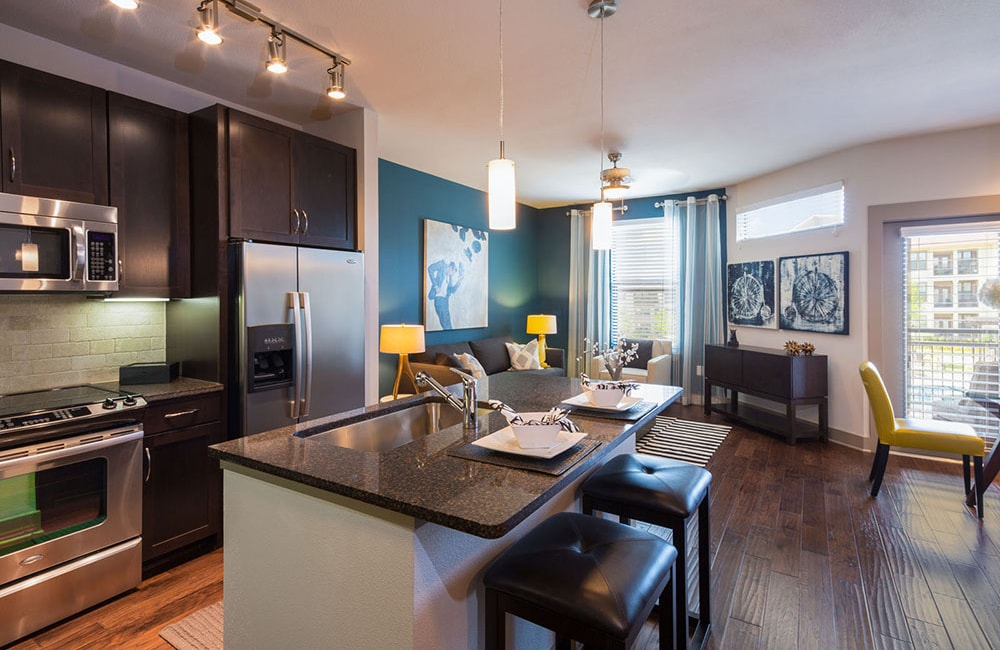 StoneLedge Apartments - Modern upgraded kitchen - Downtown Grapevine Apartments